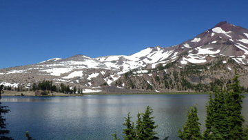 Green Lakes Trail, another beautiful hike suggested by Cascade Hiking Adventures.