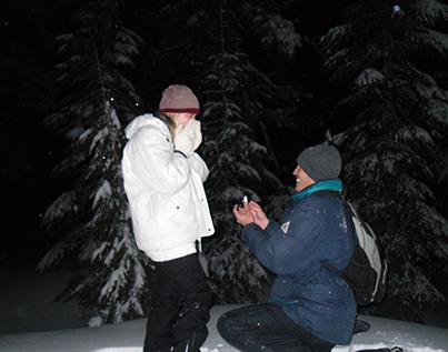 One of many couples to get engaged during the Bonfire on the Snow outing with Wanderlust Tours.