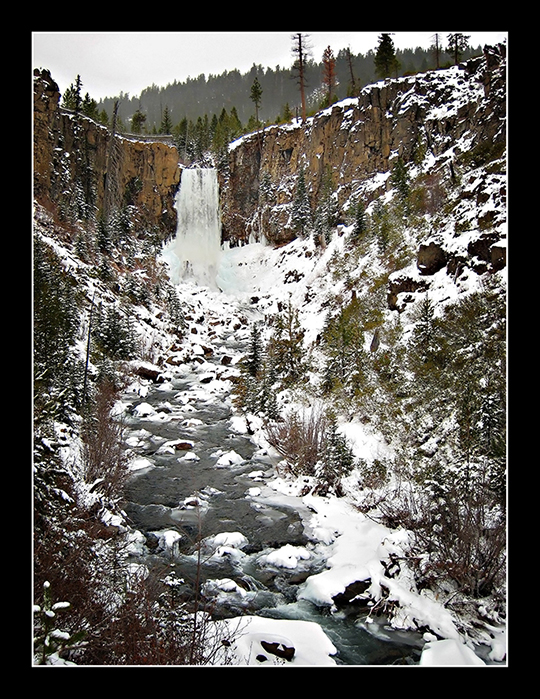 Tumalo Falls is lovely in the wintertime, even when you have to hike a bit to get to it.