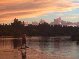 Scenes from Tawna's evening paddleboard outing this past Tuesday night (complete with shirtless fiancé eye candy).