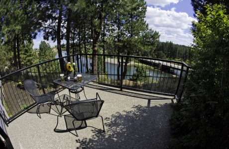 Pine Ridge Inn is one of many properties offering killer lodging specials during Bend Ale Trail Month.