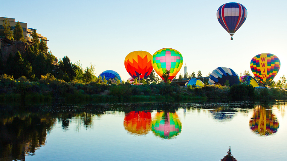 https://www.visitbend.com/wp-content/uploads/2018/04/Balloons-Over-Bend-960.jpg