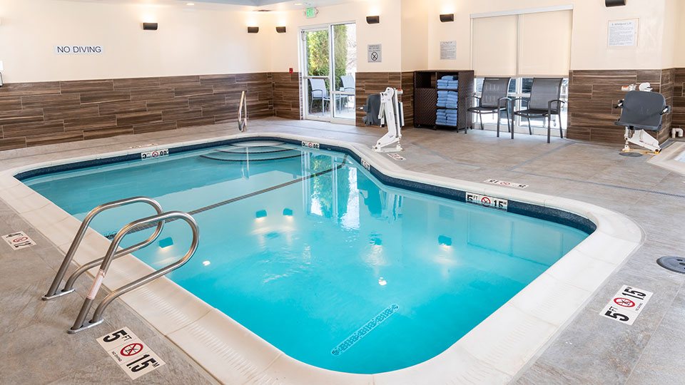 Fairfield-Inn-Suites-Indoor-Pool-960
