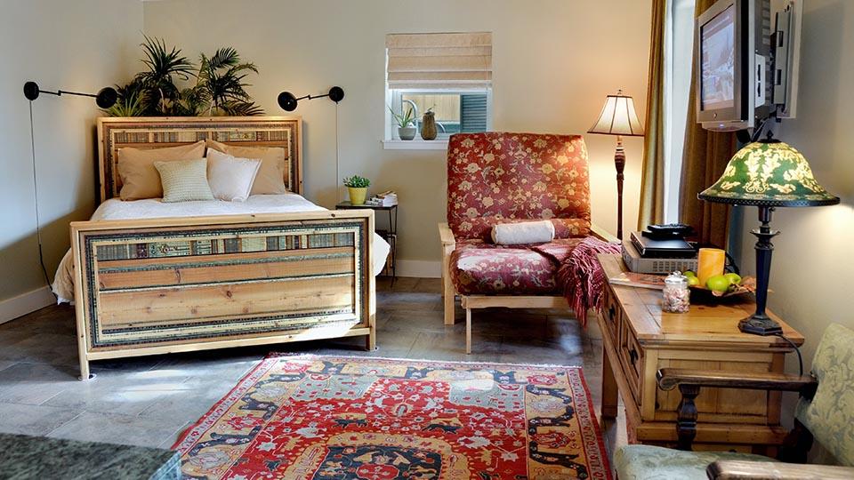 Hillside-Inn-Bed-Breakfast-960-1