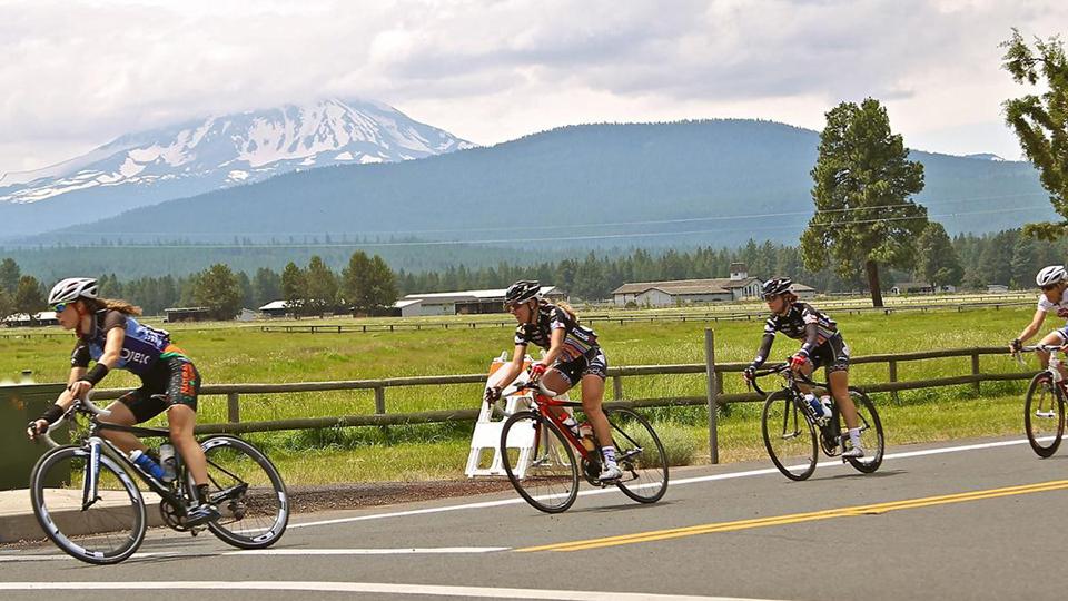 https://www.visitbend.com/wp-content/uploads/2018/04/crest-the-cascades-bike-ride-960.jpg