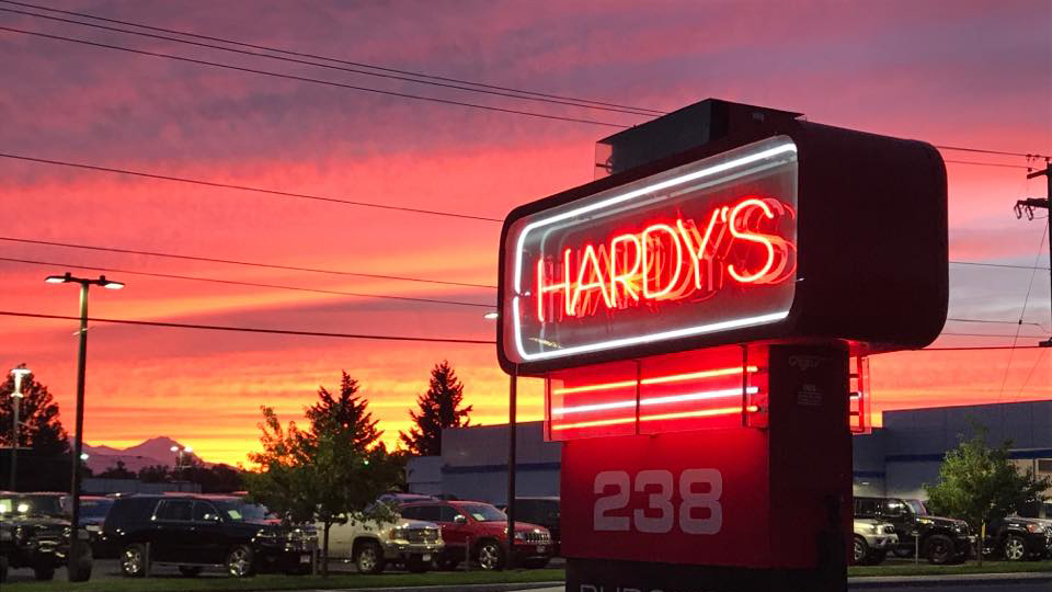 hardys-hotwings-hamburgers-and-ice-cream-960