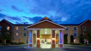 holiday-inn-express-hotel-and-suites-960