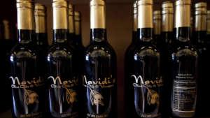 navidis-olive-oils-and-vinegars-960