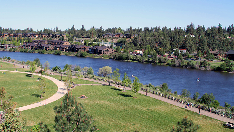 https://www.visitbend.com/wp-content/uploads/2018/04/riverbend-park-960.jpg