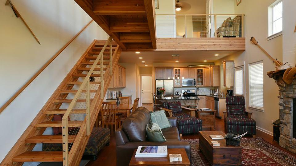 salmon-lodge-luxury-townhome-960