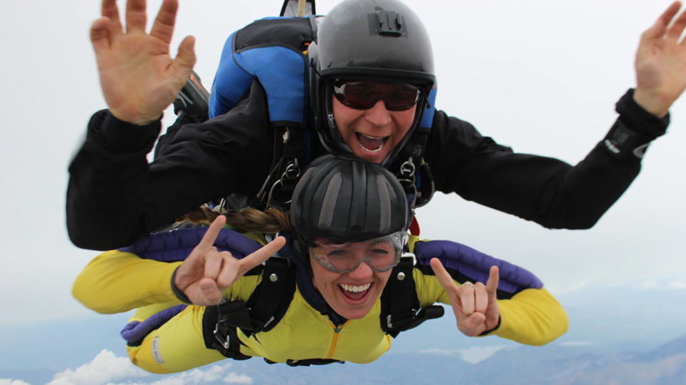 skydive-awesome-960