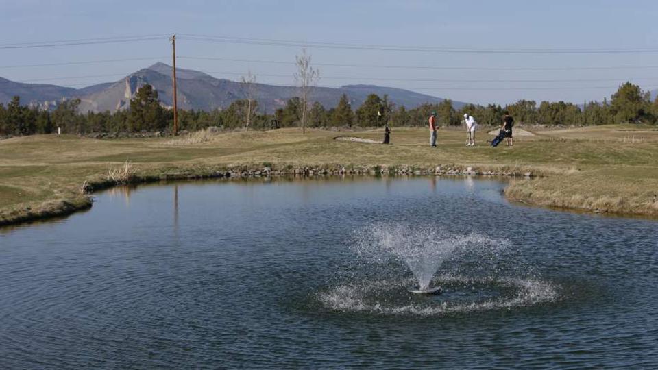 smith-rock-golf-course-960