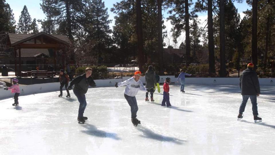 sunriver-ice-skating-rink-960