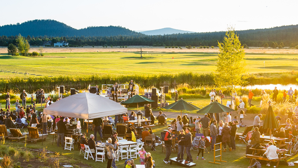 https://www.visitbend.com/wp-content/uploads/2018/04/sunriver-resort-summer-concert-series-960.jpg