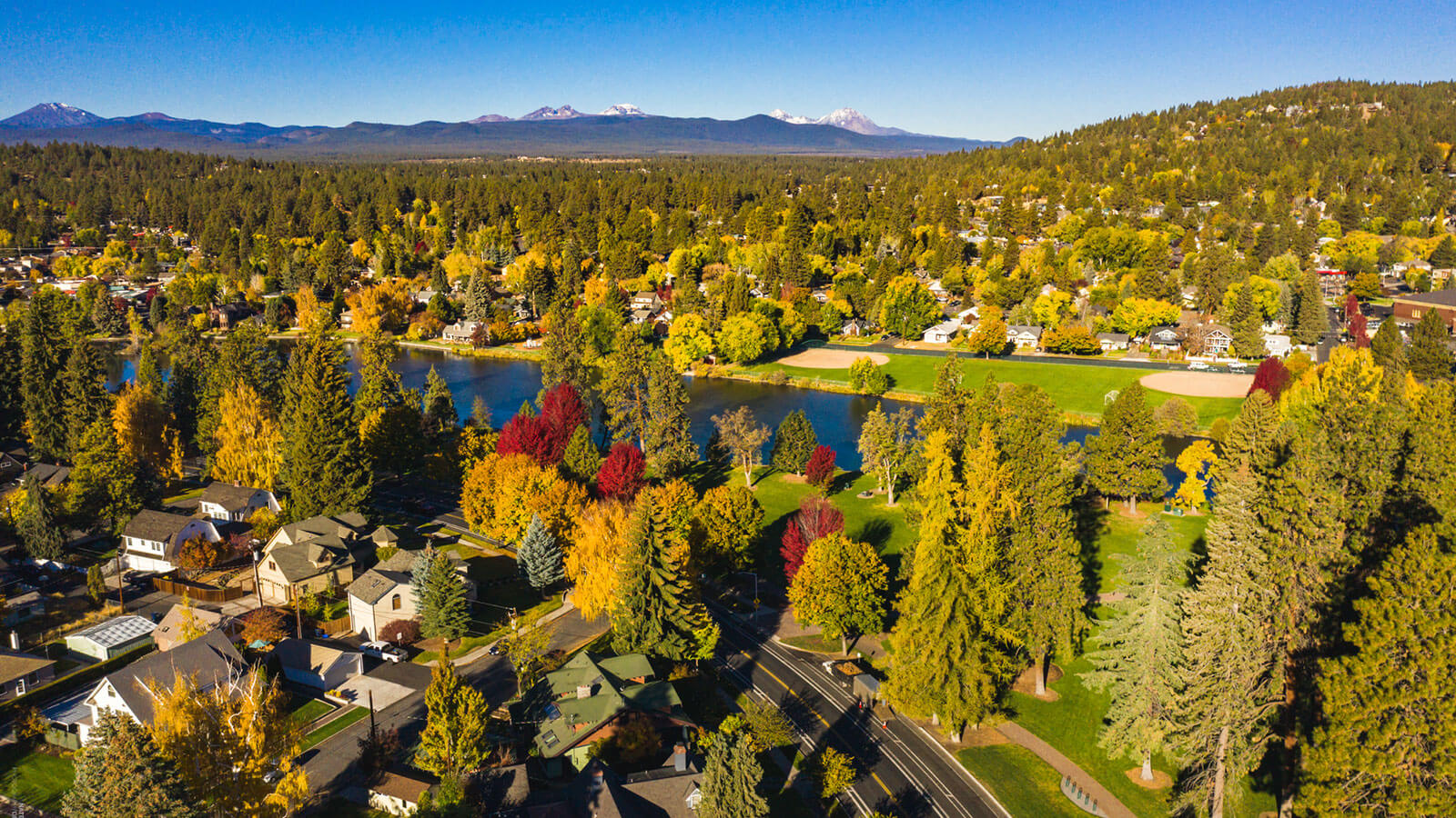 Bend Oregon Hotels Lodging Resorts And Motels Visit Bend