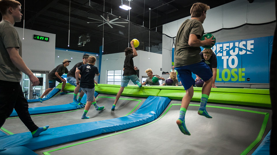Mountain-Air-Trampoline-Park-Basketball-960