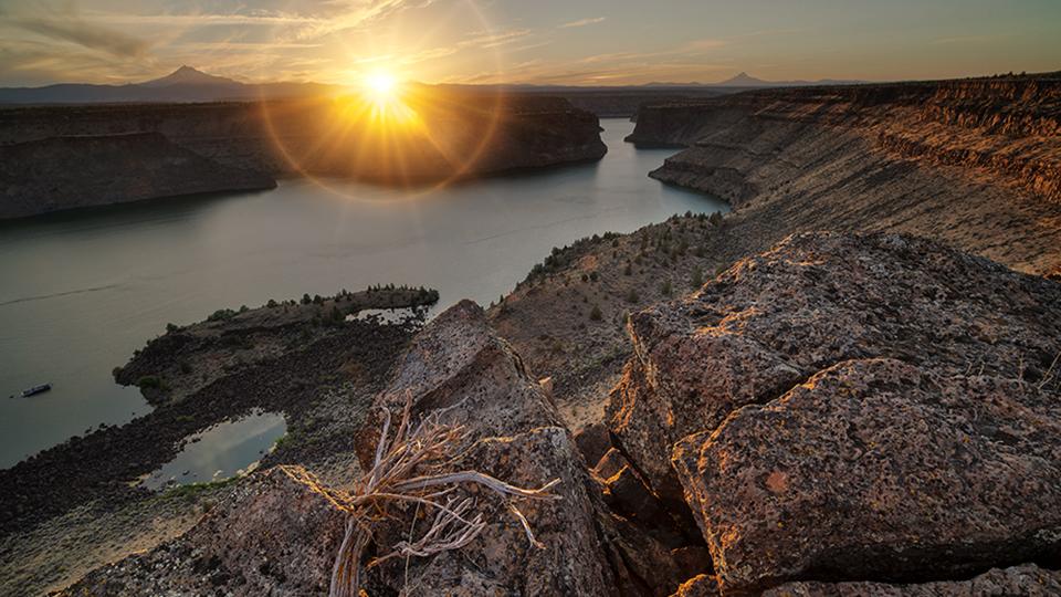 https://www.visitbend.com/wp-content/uploads/2018/07/mountains-meet-desert-960.jpg
