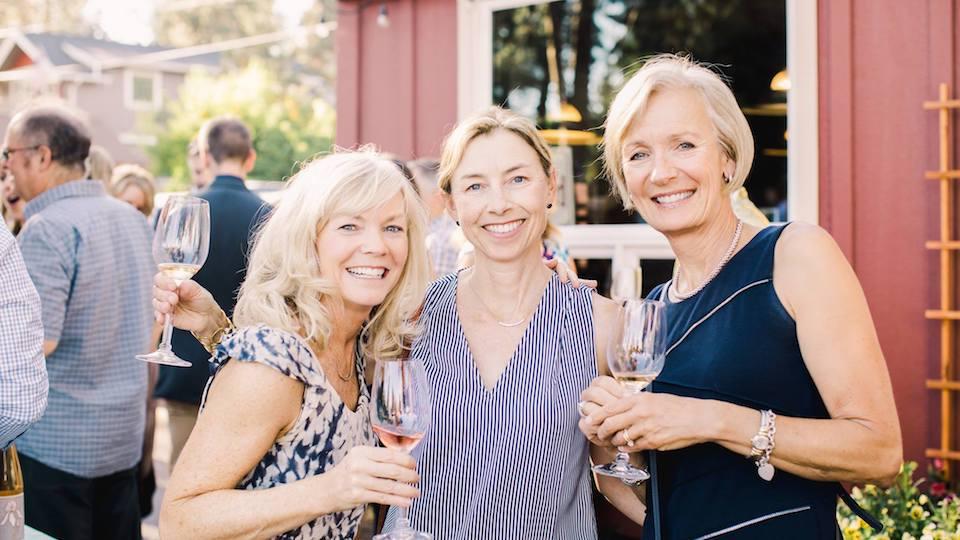 https://www.visitbend.com/wp-content/uploads/2018/08/Cork-and-Barrel-Winemaker-Dinner-960.jpg