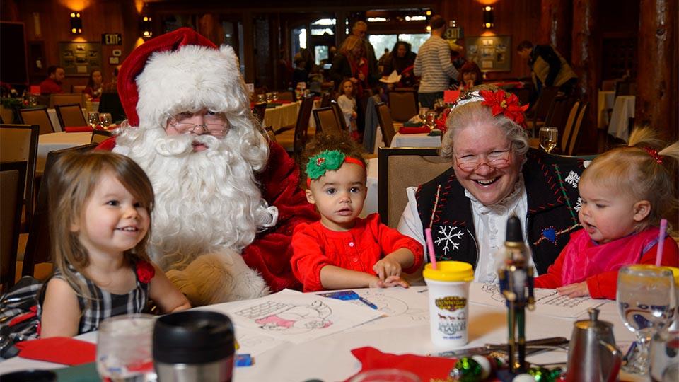 https://www.visitbend.com/wp-content/uploads/2018/11/Brunch-with-Santa-Great-Hall.jpg
