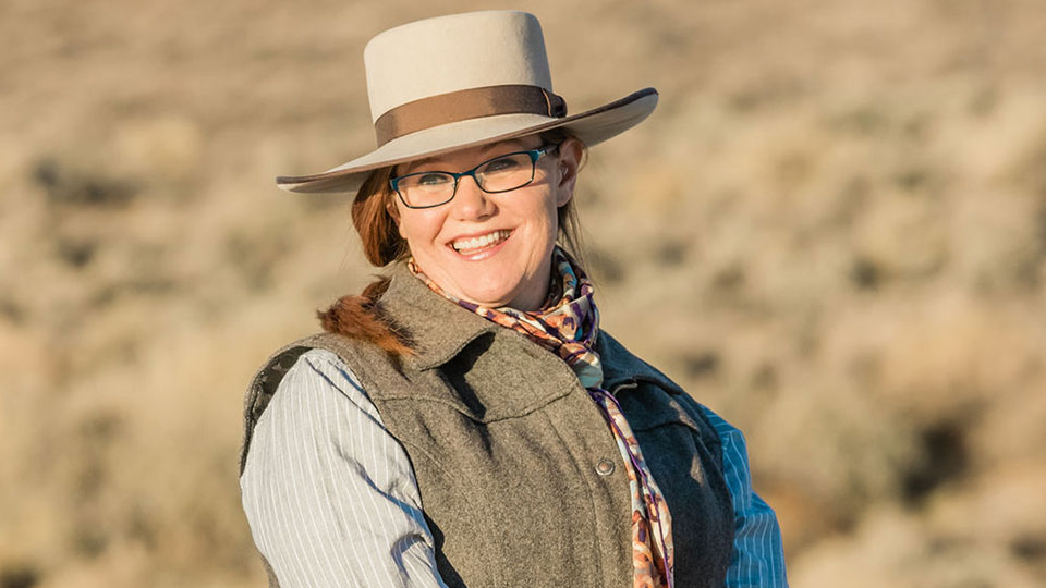 https://www.visitbend.com/wp-content/uploads/2019/02/High-Desert-Museum-Cowgirl-Poetry-960.jpg