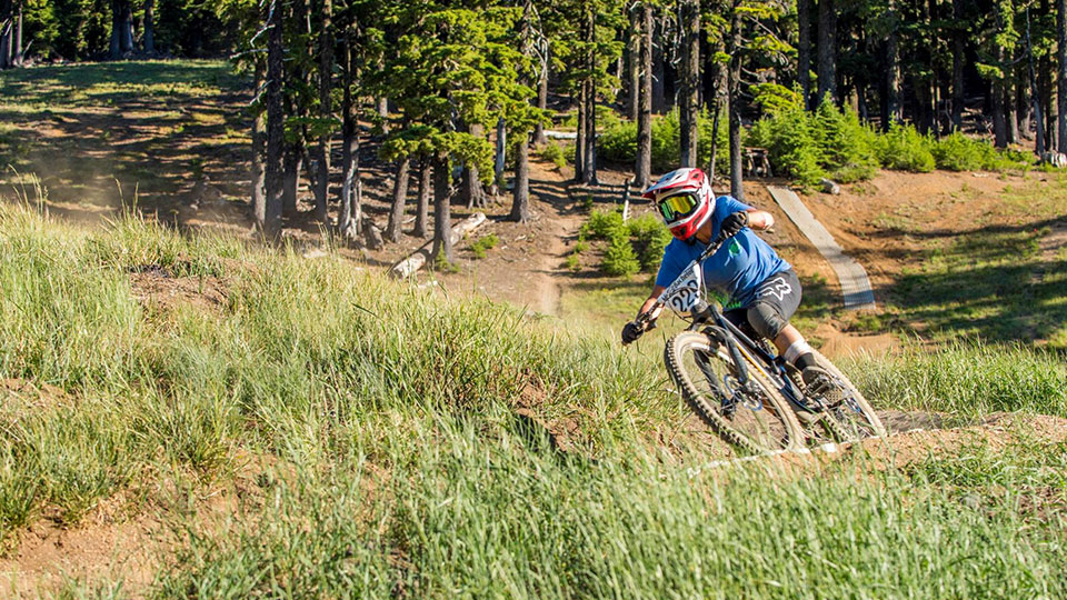 https://www.visitbend.com/wp-content/uploads/2019/06/gravity-race-series-960.jpg