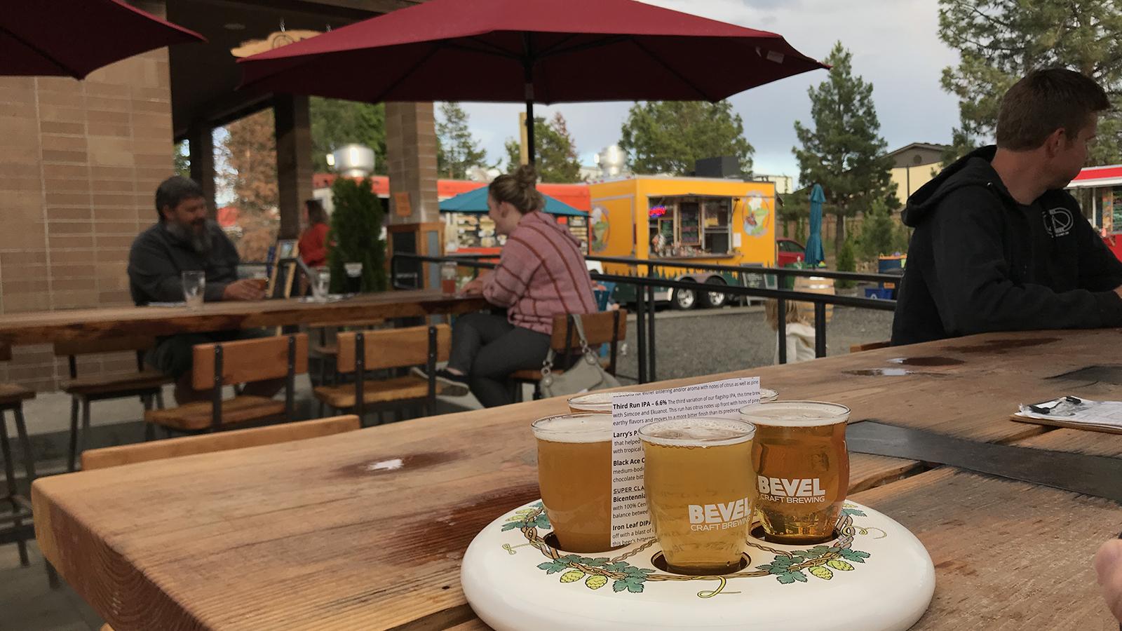 Bevel beer taster tray