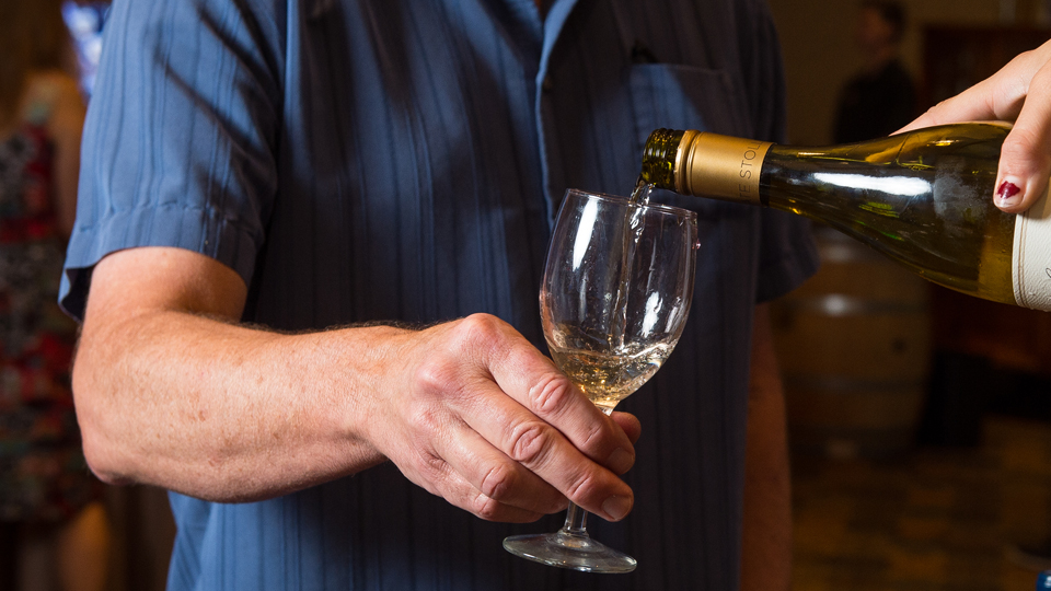 https://www.visitbend.com/wp-content/uploads/2019/07/wine-showcase-960.jpg