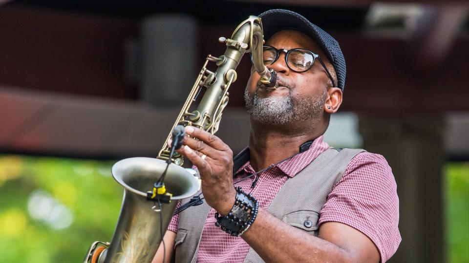 https://www.visitbend.com/wp-content/uploads/2019/09/Oxford-Jazz-Eldon-T-Jones-960.jpg