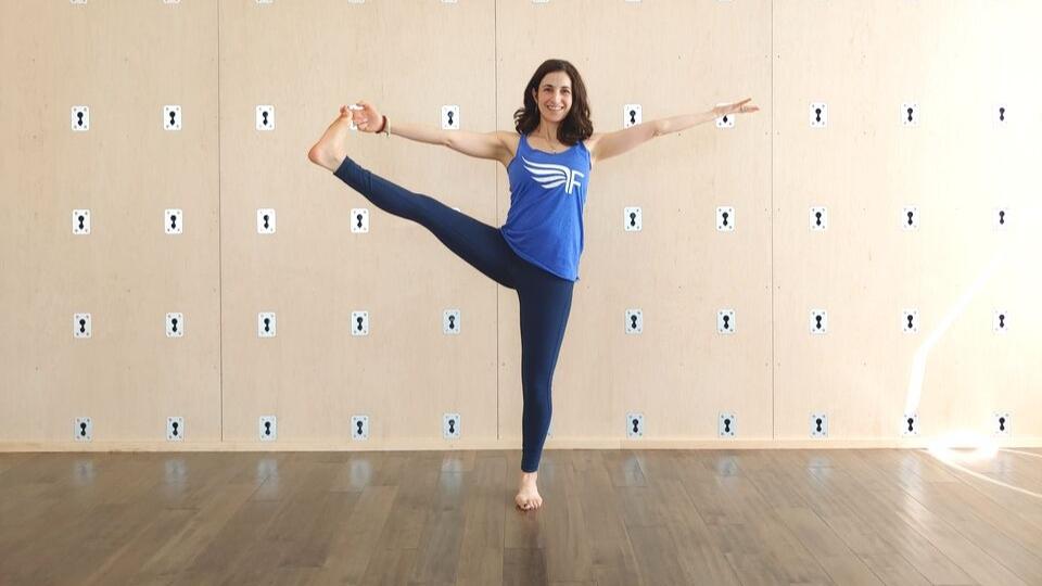 https://www.visitbend.com/wp-content/uploads/2019/10/Vinyasa-Vino-Moms-Event-at-Free-Spirit-Yoga-_-Fitness-_-Play-2.jpg