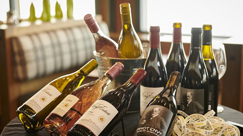 https://www.visitbend.com/wp-content/uploads/2019/11/sunriver-wine-cuisine960.jpg