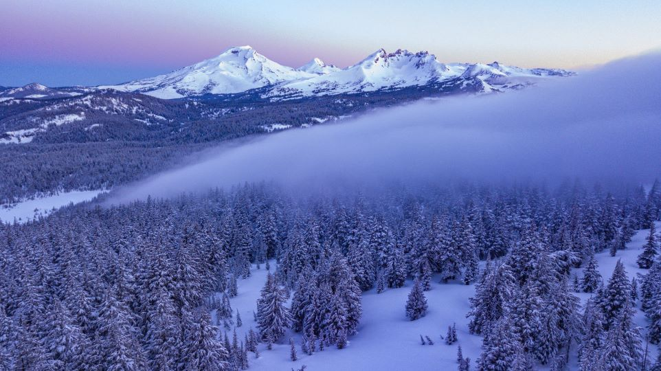https://www.visitbend.com/wp-content/uploads/2020/01/drone-pic-bend-tour960.jpg
