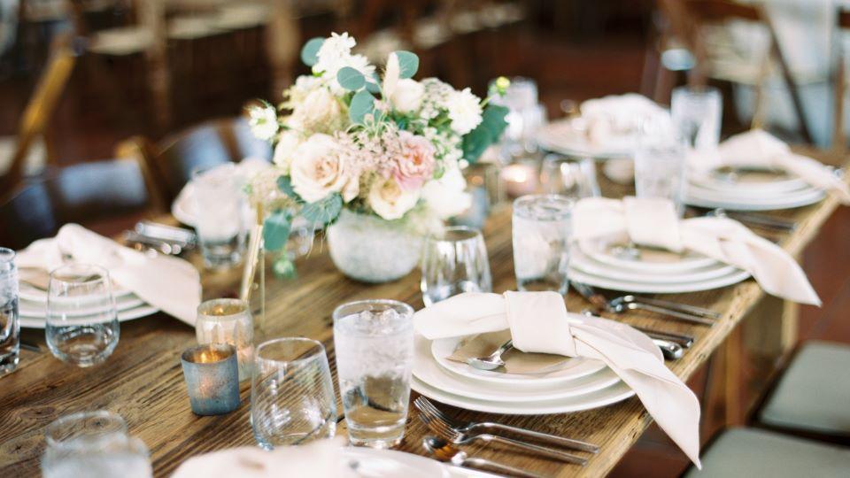 https://www.visitbend.com/wp-content/uploads/2020/01/easter-brunch-table-setting-brasada-960.jpg