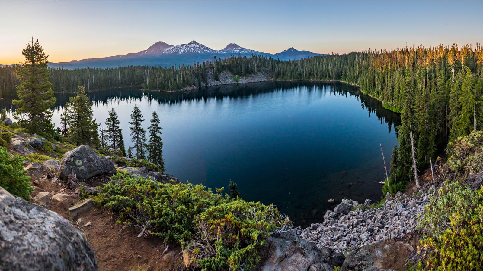 Bend Oregon Visitor Bureau for Hotels, Lodging or Restaurants