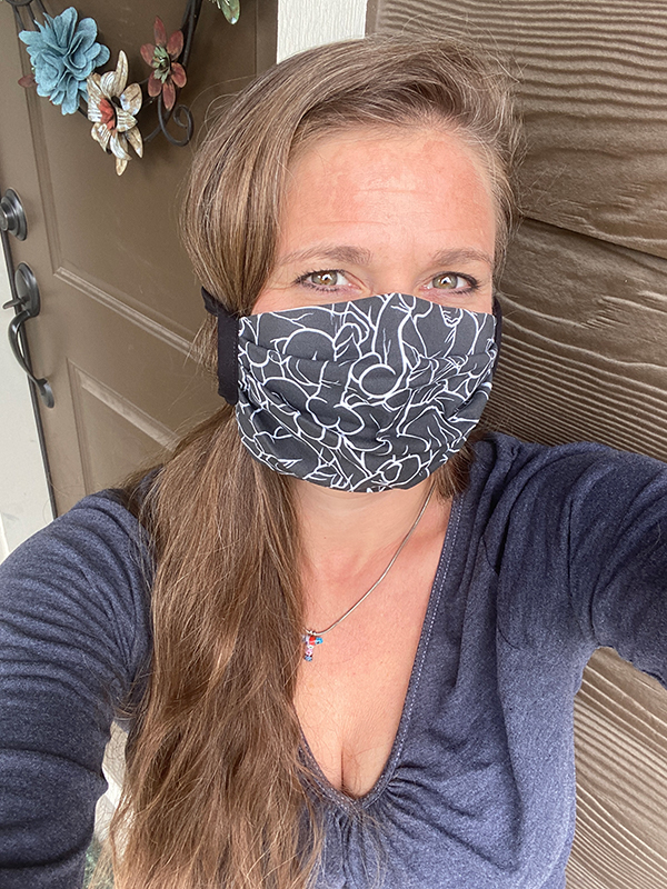 Blogger Tawna wears her mask to protect her fellow community members