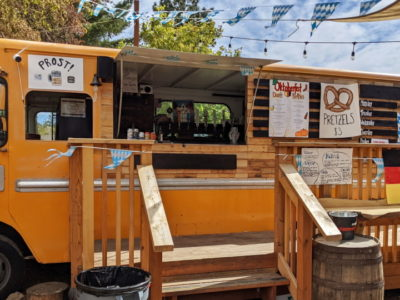 beer-truck-at-bunk-and-brew-gallery-1